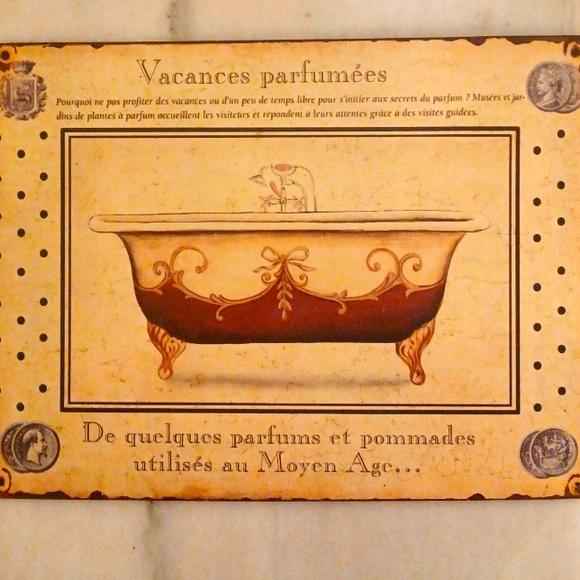 Vintage Vacances parfumees metal  bathroom sign